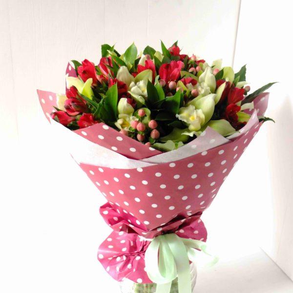 Букет из альстромерий и орхидей