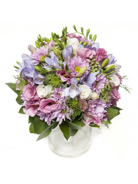 Свадебный букет из эустомы и хризантемы