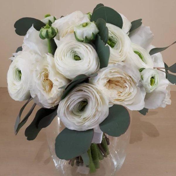 Свадебный букет из ранункулюсов и пионовидной розы