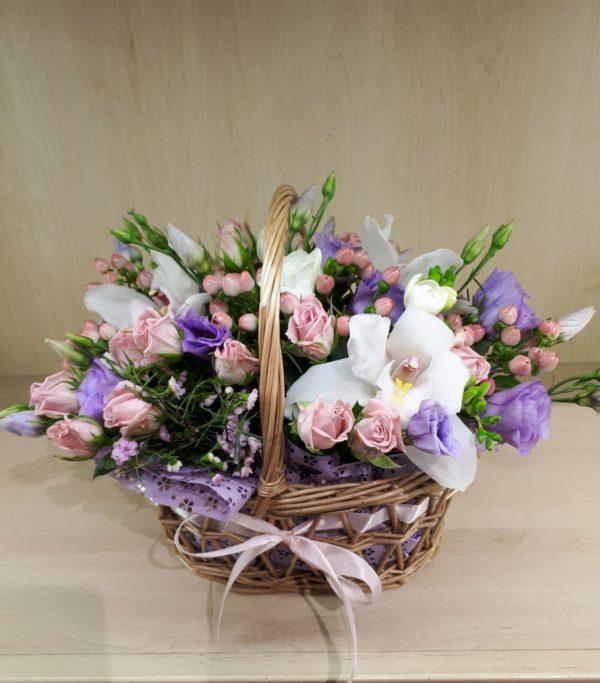 Букет из розы, орхидеи, эустомы