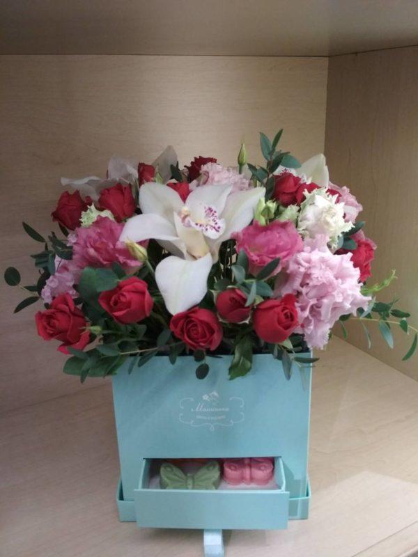 Большой букет цветов M226