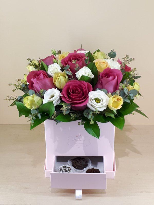 Цветы в коробках M221