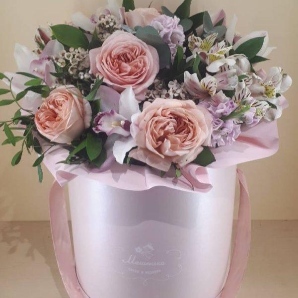 Букет из орхидеи, роз, альстромерии, матиолы, зелени