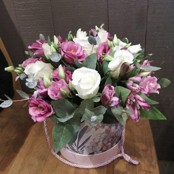 Букет из роз, эустом, альстромерий