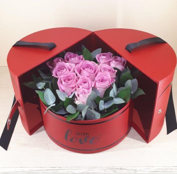 Букет из роз в подарочной коробке
